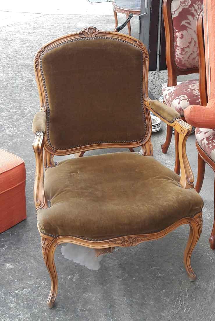 fauteuil louis xv dossier a la reine
