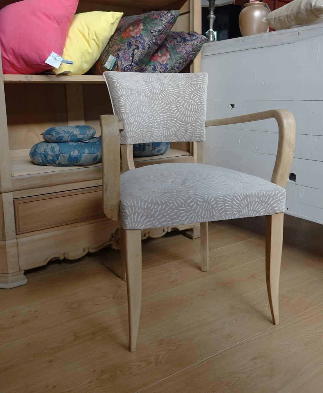 restauration et aérogommage fauteuil vintage tapissier lyon