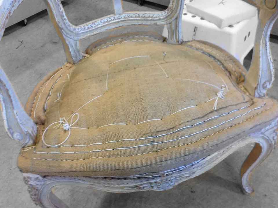 restauration en cours fauteuil louis xv